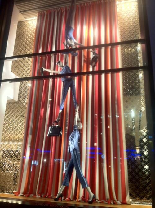Sephora, Paris, Escaparates, The visual Corner, Mercy Guzmán, Visual Merchandising, Windows, Moda, Luis Vuitton, Escaparates comerciales, Lancel, Dalí, Campos Elyseos, Champs Elysees, Publicis, Guerlain, LED, Hugo Boss, BOSS, Morgan