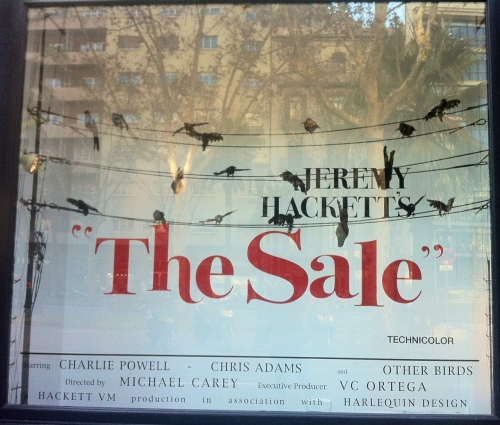 Hackett, escaparates, hitchcok, terror, tiendas, Visual merchandising, comercios, retail, window shopping, fashion, design, graphic design, tipografía, escaparates cine, escaparate terror, the visual corner, mercy guzmán, mercy